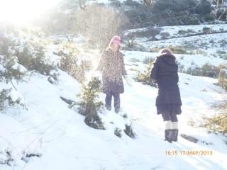 Απολαυστικός χιονοπόλεμος!